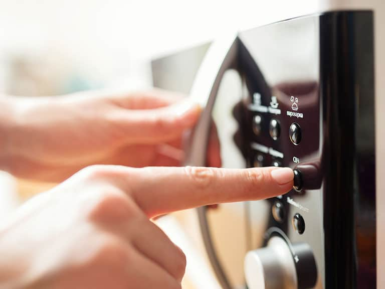 How To Choose the Best Microwave Oven